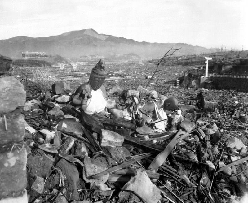 atomic-bomb-67530_960_720